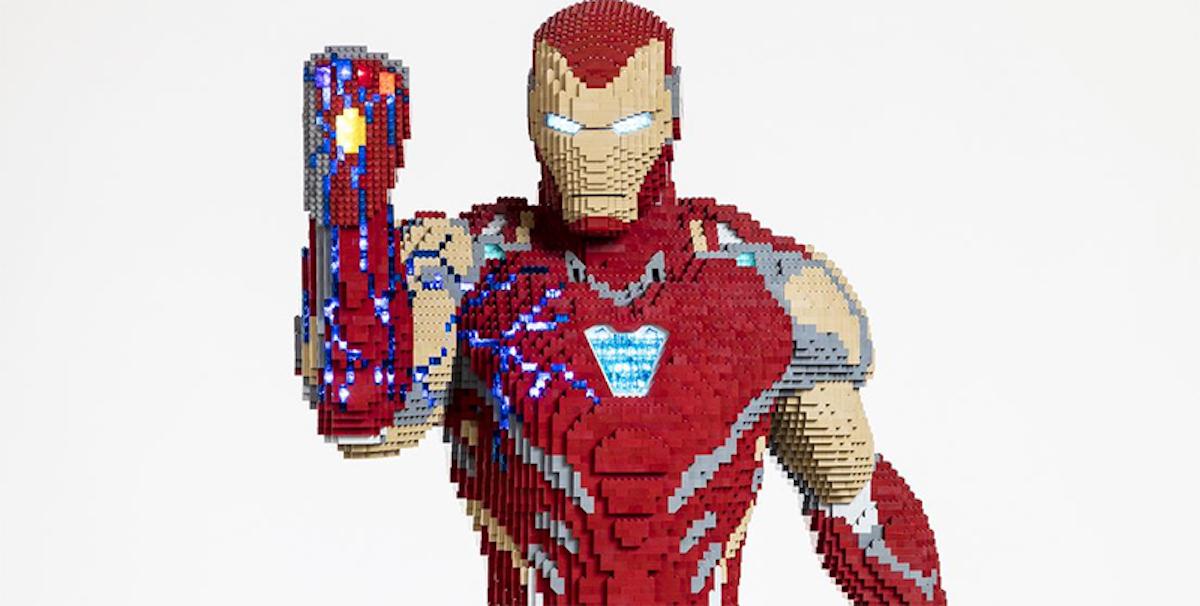 [Zone 42] Une statue grandeur nature d'Iron Man intégralement construite en Lego !