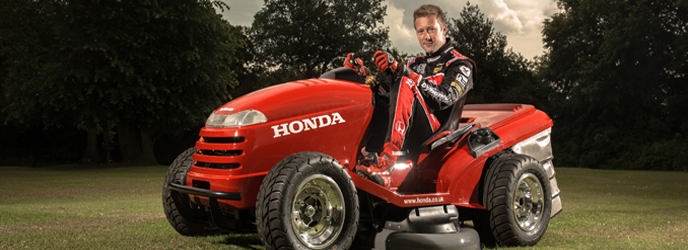 honda mean mower une tondeuse gazon digne d 39 une formule 1. Black Bedroom Furniture Sets. Home Design Ideas