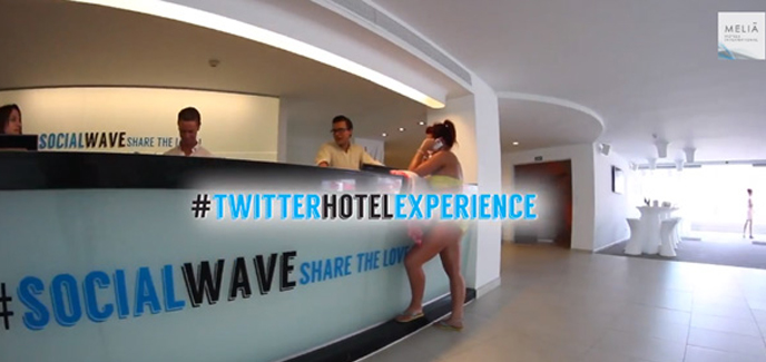 2013/07/31/1375279062twitter-hotel-experience.jpg