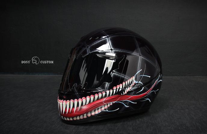 Des casques de moto spider man star wars - Spider man moto ...