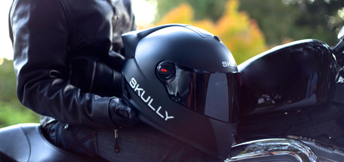 skully helmets p1 un casque de moto avec cam ra arri re et affichage t te haute. Black Bedroom Furniture Sets. Home Design Ideas
