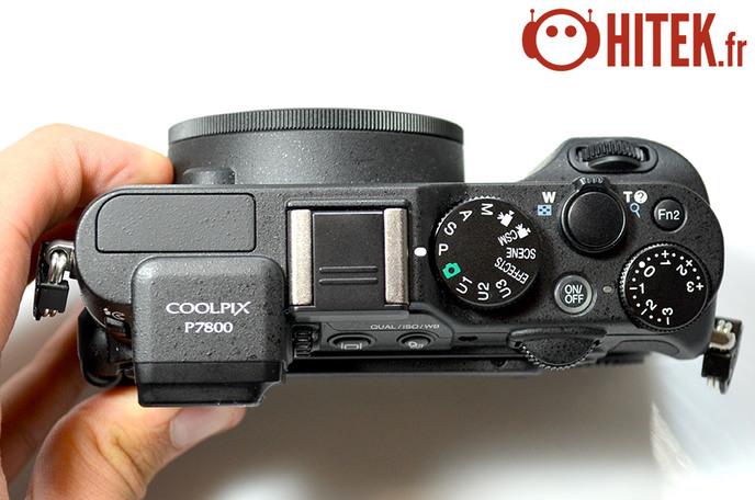 Dessus Nikon P7800