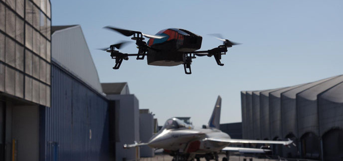 2013/12/05/i_parrot-ar-drone-2-0-dassault-rafale-1.jpg