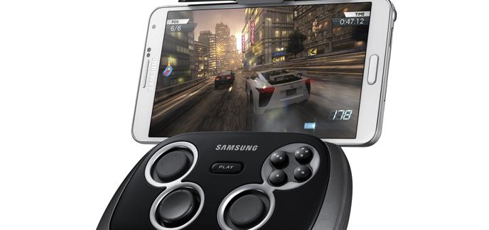 2013/12/17/i_samsung-smartphone-gamepad010.png
