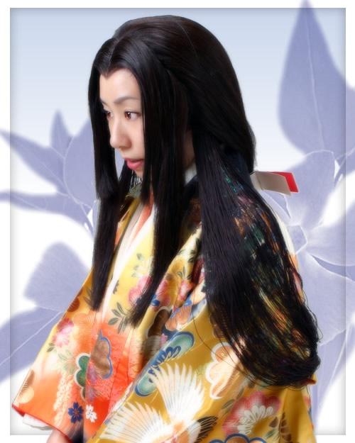 On retrouve par la suite, une autre coupe, la coiffure « Maegami », qui  consistait à garder les mèches de cheveux sur le front avant leur maturité,