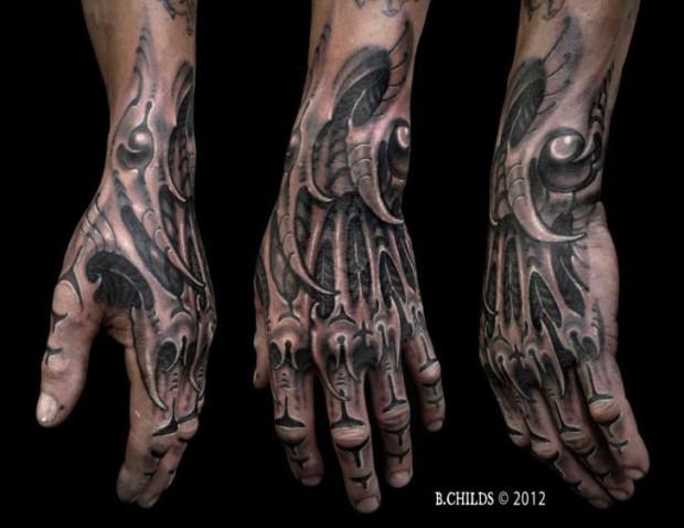 Ces 32 Tatouages Biomecaniques Sont Geniaux