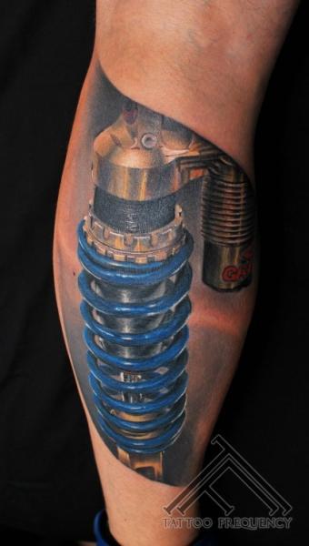 ces 32 tatouages biomécaniques sont géniaux !