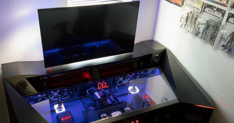 un pc futuriste hors norme qui vaut plus de 6000 euros. Black Bedroom Furniture Sets. Home Design Ideas