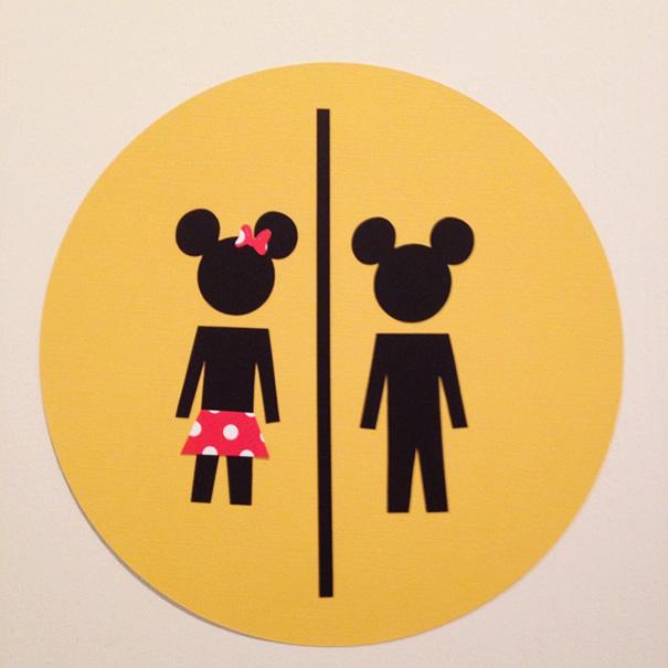 Ces affiches de toilettes sont toutes plus originales les unes que les autres for Boy and girl bathroom door signs