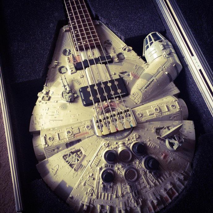 faucon-millenium-guitare-doni