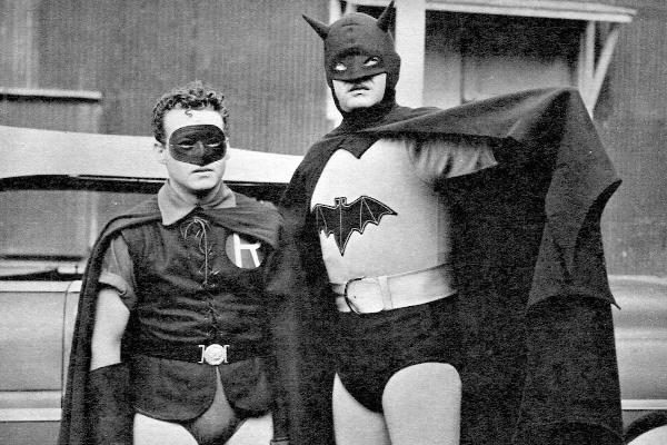 Un signal évoquant Batman illuminera Los Angeles en hommage à Adam West