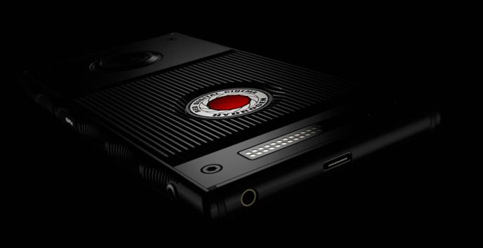 Un smartphone holographique 3D à 1200 dollars — RED Hydrogen One
