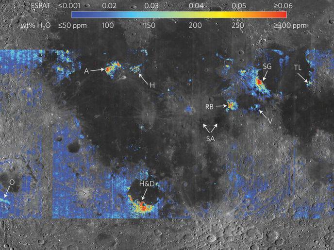 De l'eau présente dans les profondeurs de la Lune