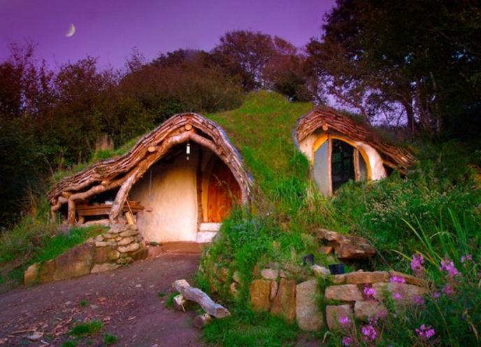les plus belles maisons de hobbit. Black Bedroom Furniture Sets. Home Design Ideas