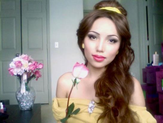 Une femme se transforme en n 39 importe quelle princesse disney avec le maquillage - Maquillage princesse disney ...