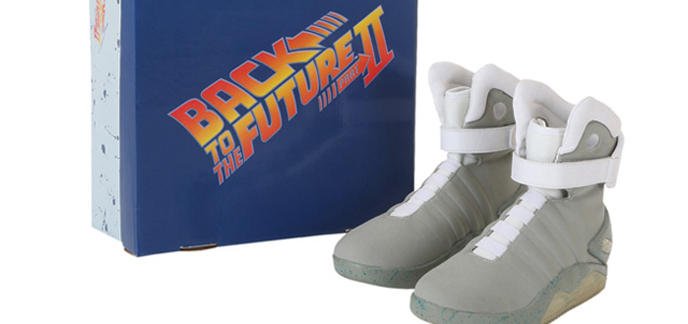 i_back-to-the-future-2-light-up-shoes.jpg