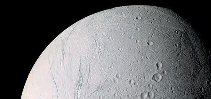 i_lune-saturne-description.jpg