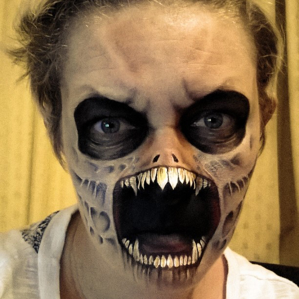 Nikki shelley nous d voile des maquillages terrifiants pour halloween - Maquillage halloween facile homme ...