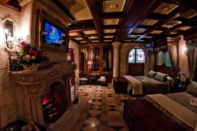 10 secrets incroyables sur disneyland paris for Interieur hotel disney