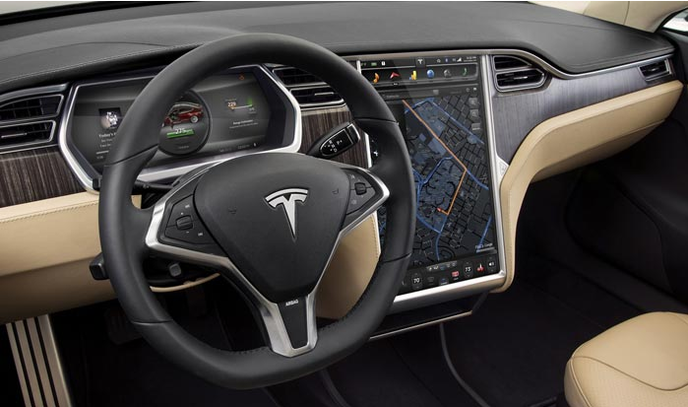 Tesla model s la voiture r v e d 39 un geek for Interieur tesla model s