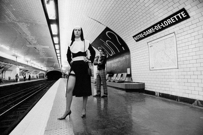 Janol apin illustre les noms des stations de m tro - Metro notre dame de lorette ...