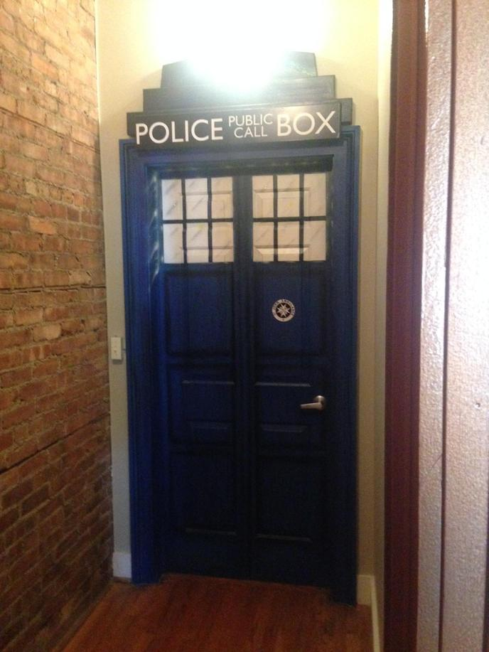 the-pandorica-restaurant-doctor-who-new-york