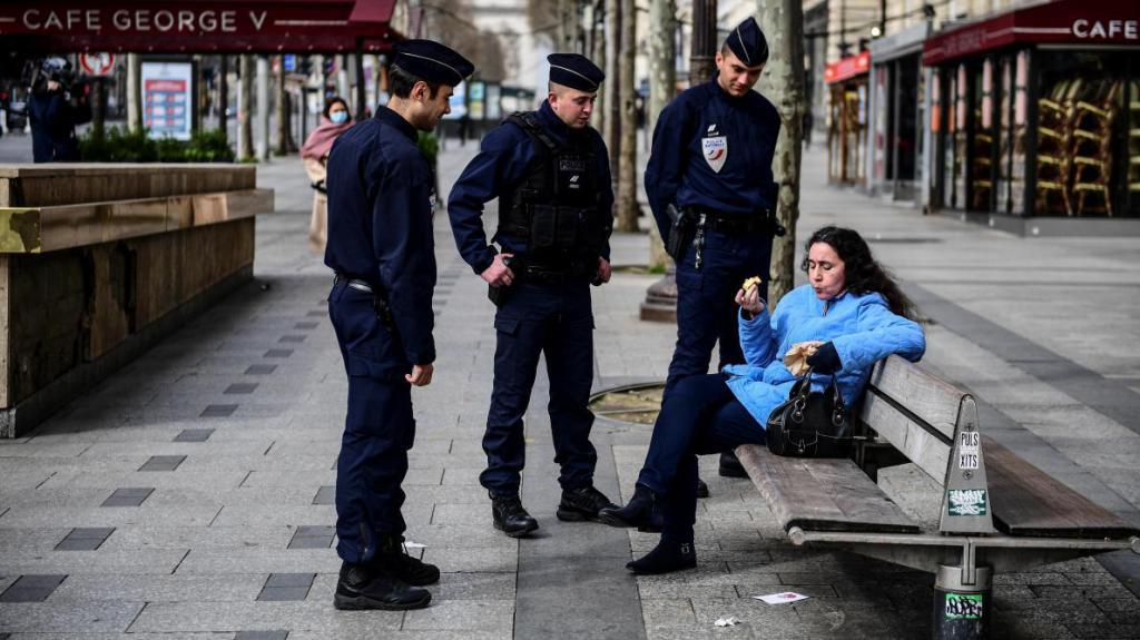 هؤلاء الفرنسيون الذين يحترمون الإطلاق b9722988216z.1202003