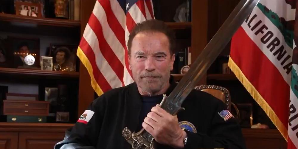 Schwarzenegger brandit l'épée de Conan contre Trump — États-Unis