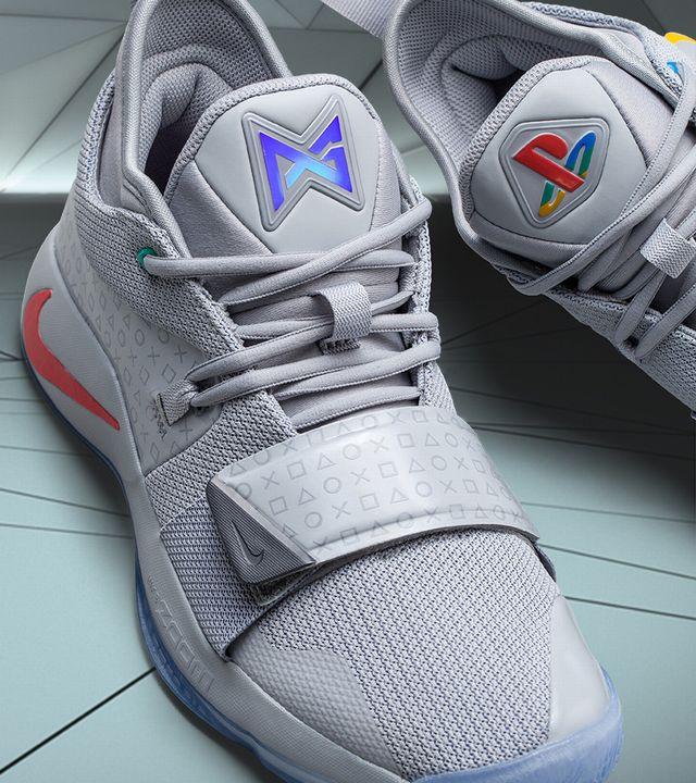 Qui Une Nouvelle Paire Nike Baskets Playstation De Et Rend Lancent zSVUMp